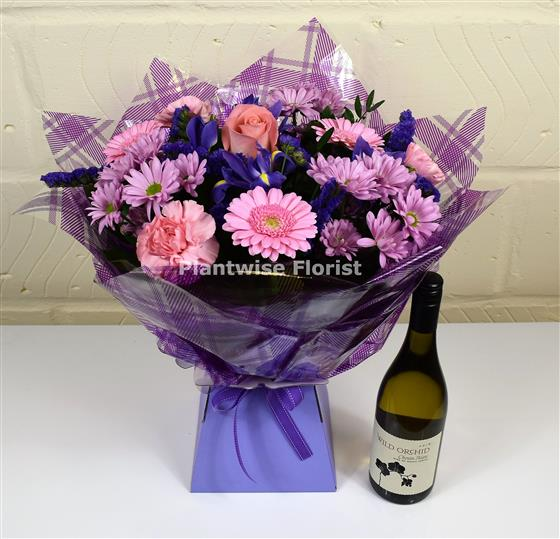 A hugs and kisses valentines day bouquet of flowers with white wine a hugs and kisses valentines day bouquet of flowers with white wine g mightylinksfo