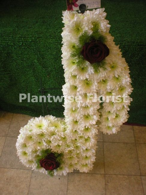 Single Musical Note Made In Flowers For Funeral Funeral Flowers